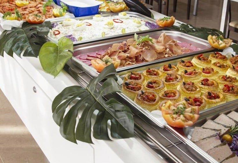 Hotel La Estacion, restaurante buffete