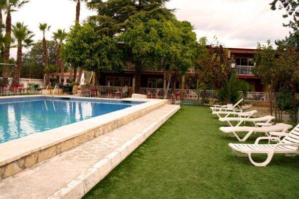 dia de los enamorados en benidorm hotel europeo piscina